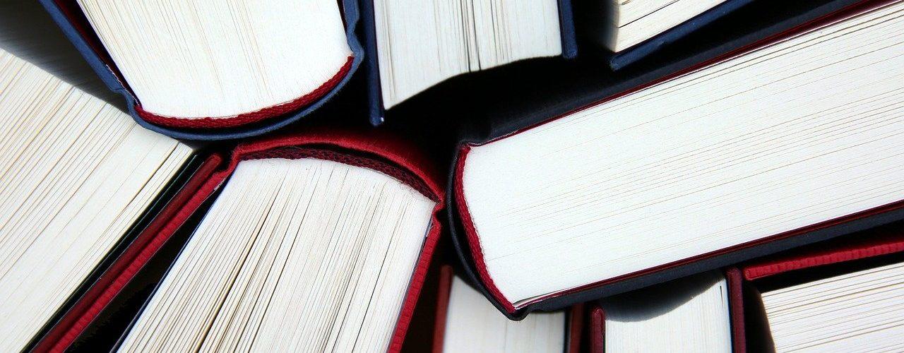 Kirjoja ylhäältä