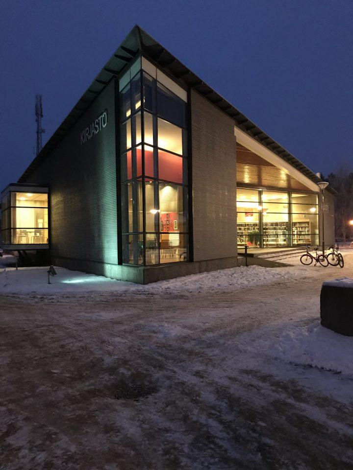 Kirjasto talvi
